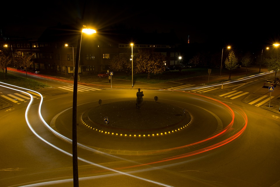 roundabout-traffic-384616_960_720